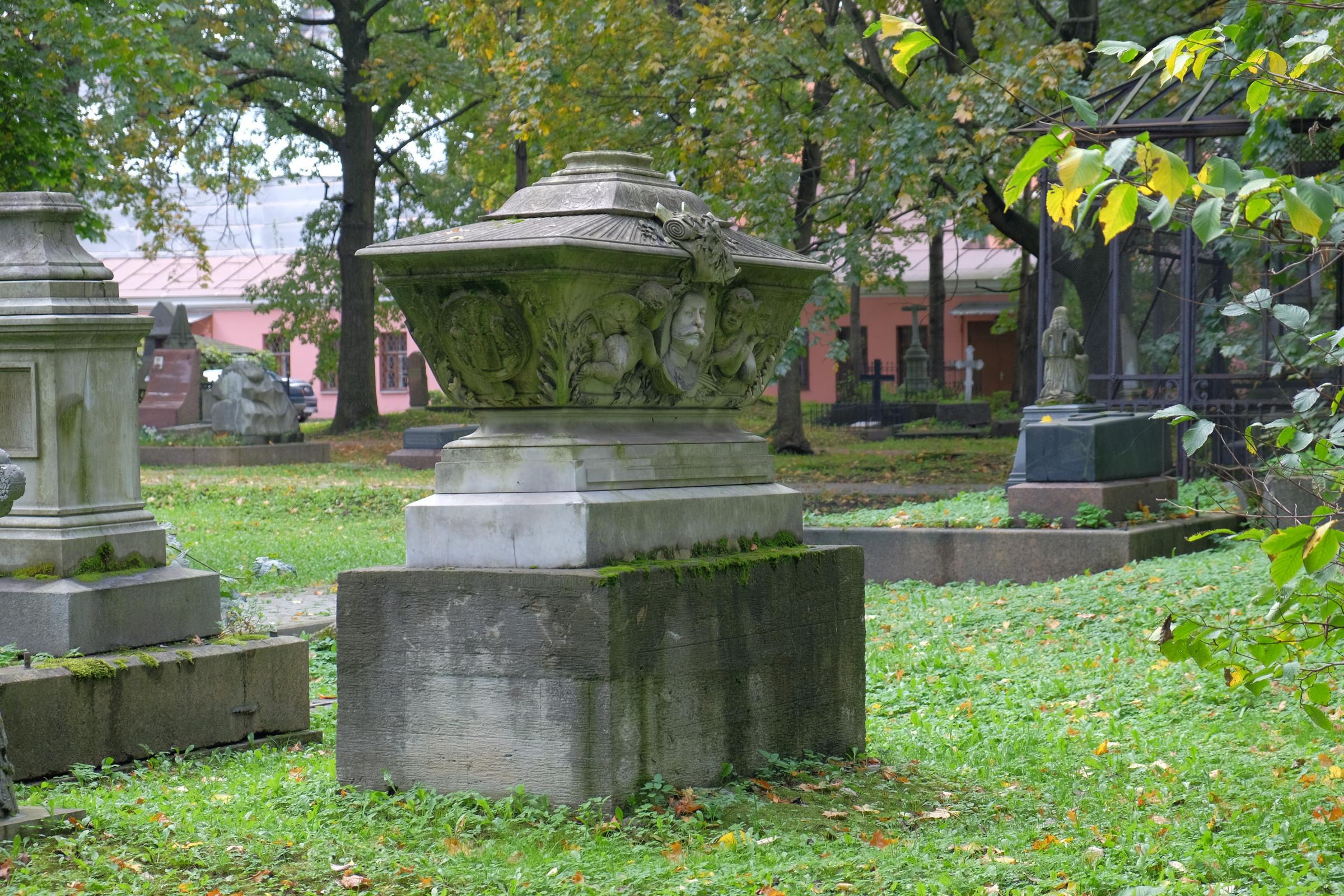 Надгробия санкт петербурга и его окрестностей ритуальные памятники из природного камня фото