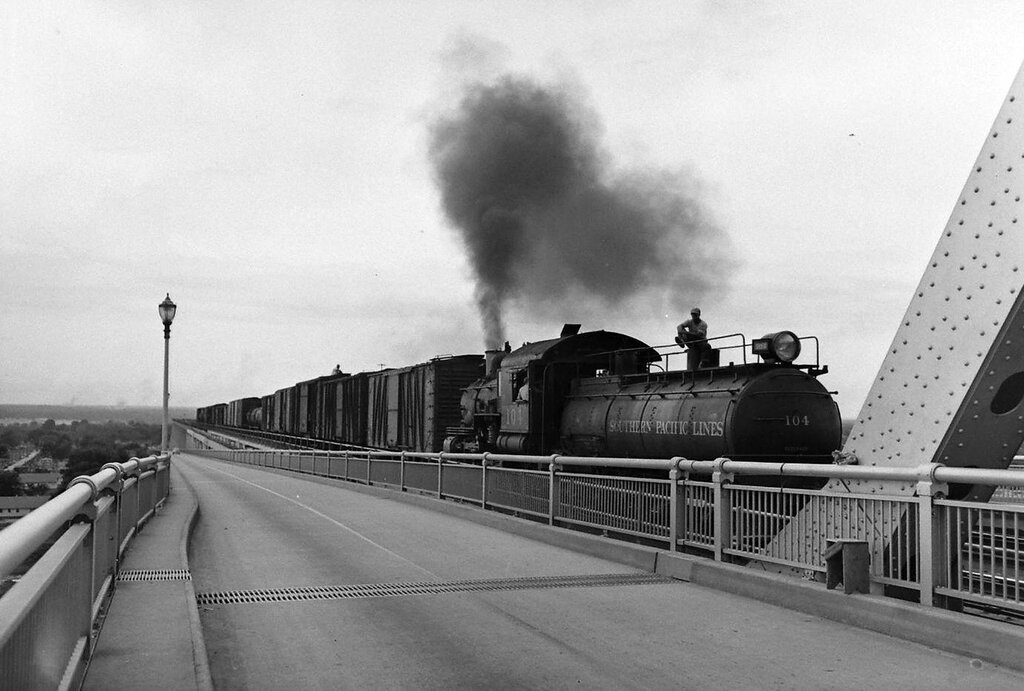 Southern Pacific Transportation Company - 1942 - Peter Stackpole - LIFE