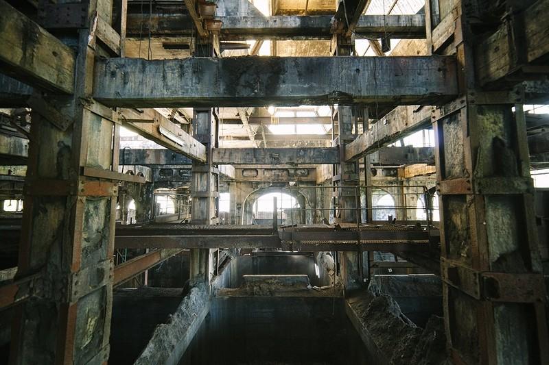 0 181ac7 ec6e960f orig - Заброшенные заводы ПотрясАющи