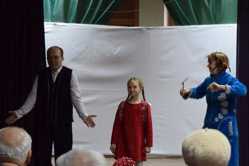 http://alchevskpravoslavniy.ru/duxovnaya-lechebnica/gumanitarnaya-pomoshh/mechty-sbyvayutsya-prazdnik-detej-alchevskoj-duxovnoj-lechebnicy.html