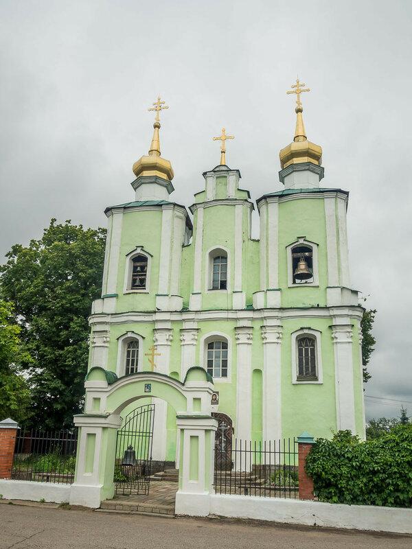 Троицкая церковь, занимает перестроенное здание костёла.