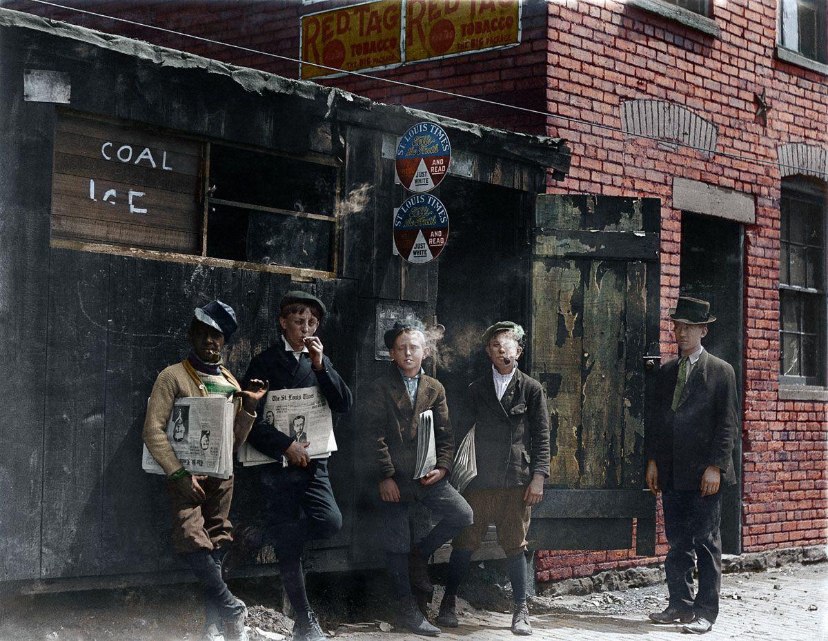 1910. Торговцы газетами. Сент-Луис, Миссури