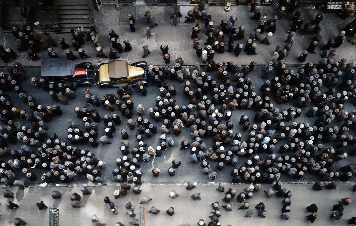 1930. Людские толпы на 36-й улице между 8 и 9-м авеню, Нью-Йорк