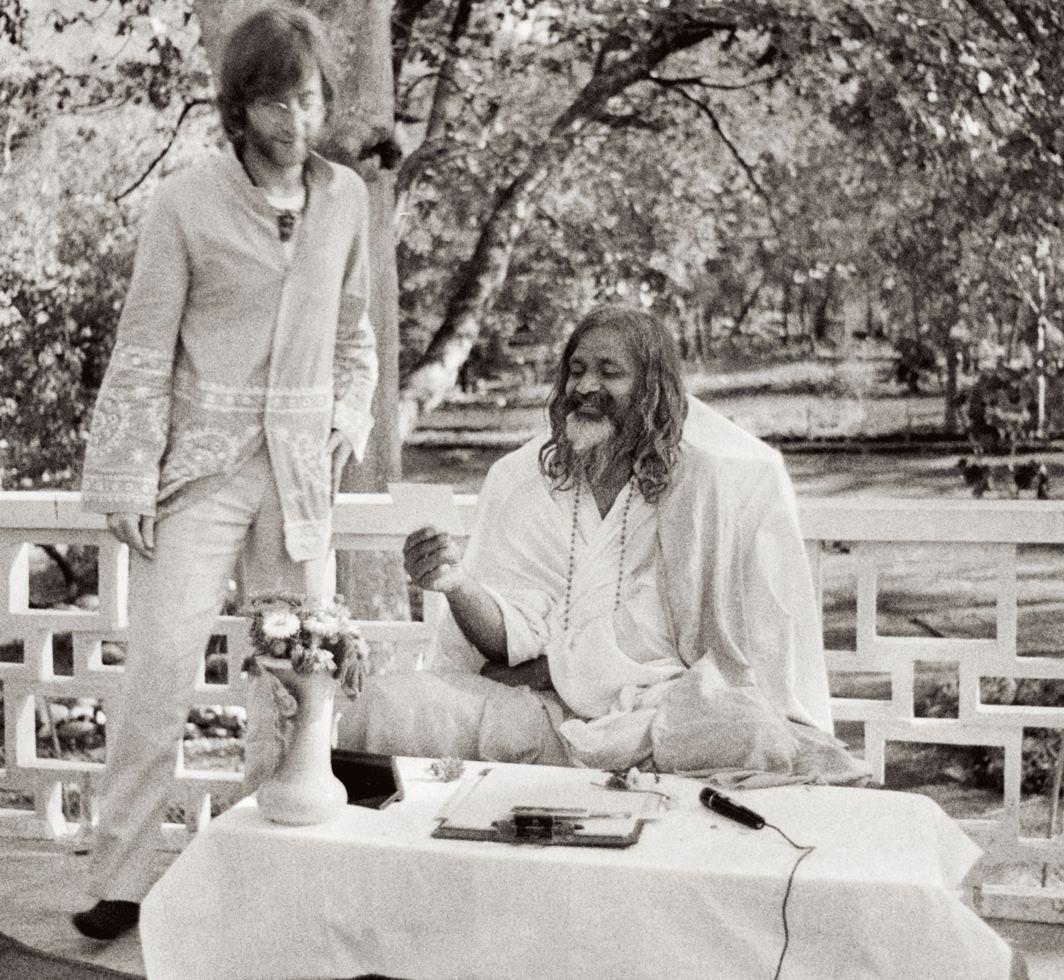 1968. Джон Леннон и Махариши