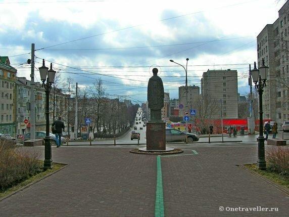 Пермь. Памятник святителю Николаю и Комсомольский проспект