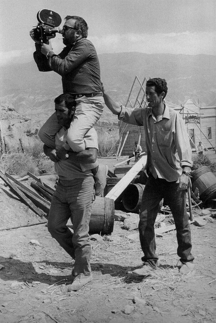 1968. Сержио Леоне на съемках «Однажды на Диком Западе»
