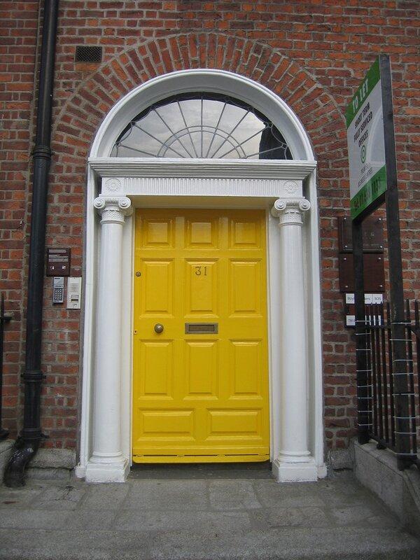 Дверь в Дублине