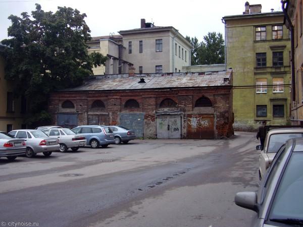 Заброшенный флигель на Бородинской улице, 3