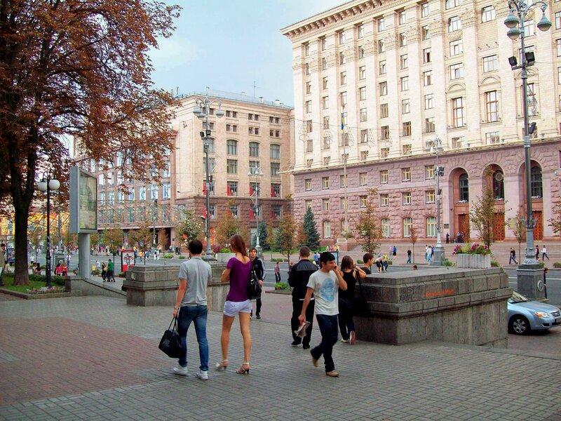 Мэрия Киева и правое крыло ЦУМ
