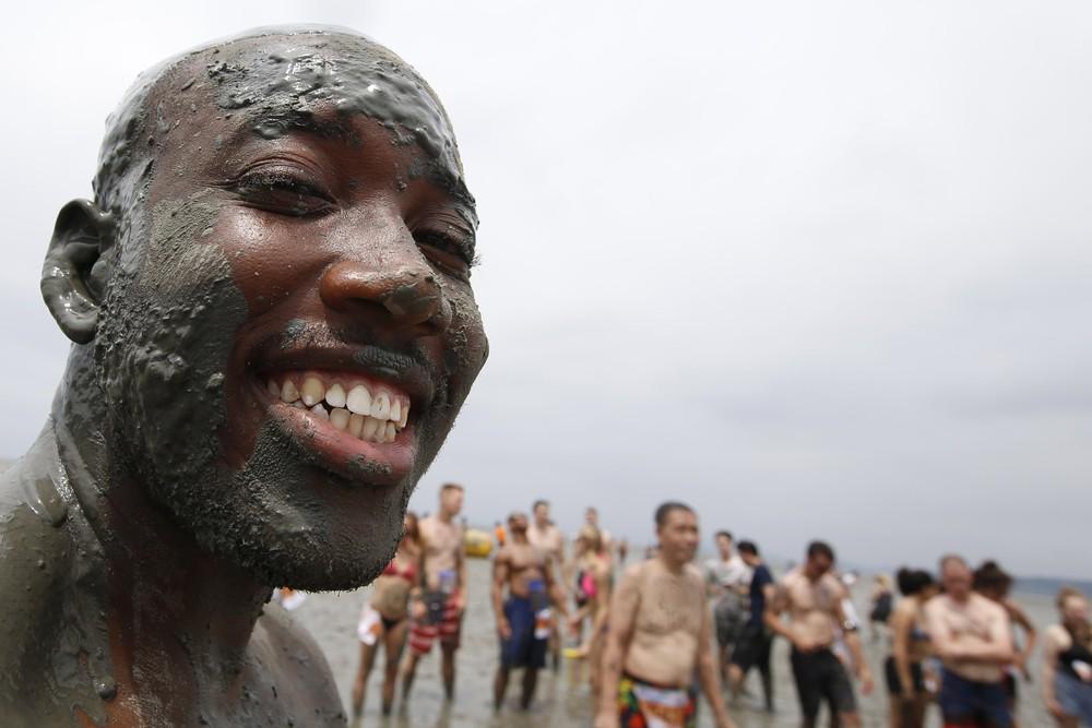 Порёнский фестиваль грязи