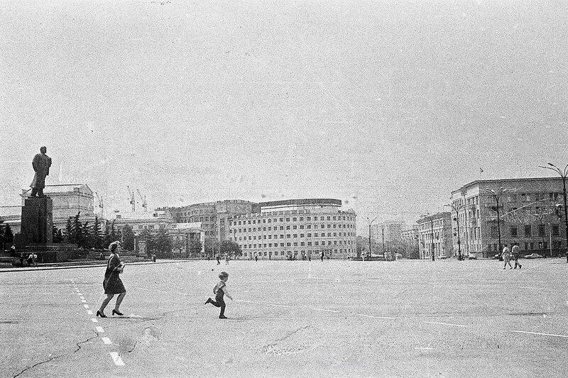 Площадь Революции.jpg