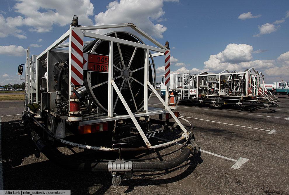Топливозаправщики вместимостью от 10 до 60 куб.м., обеспечивающие заправку всех видов отечественных