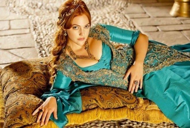 7 секретов любви от Хюррем, способных очаровать любого Султана (3 фото)