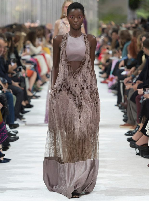 #PFW: VALENTINO Spring Summer 2018 Womenswear Collection