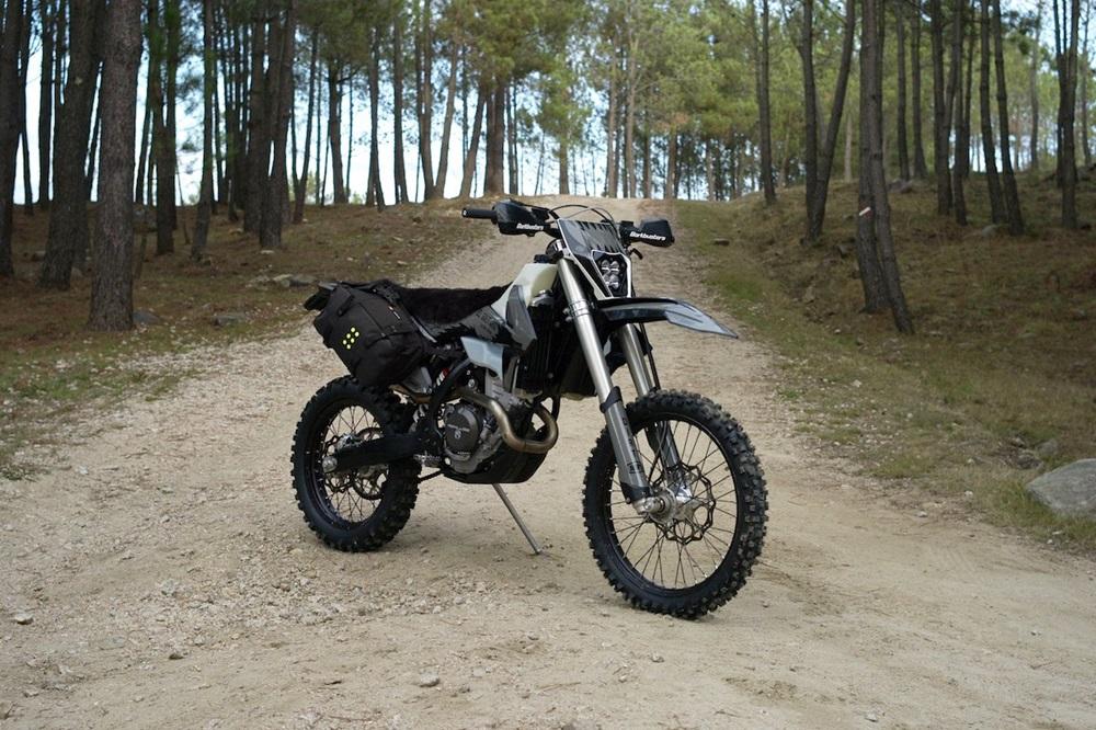 El Solitario: кастом-эндуро KTM 350 EXC-F