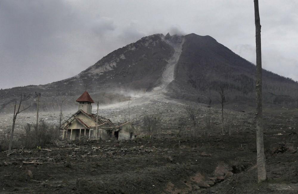 Деревни-призраки у подножья вулкана