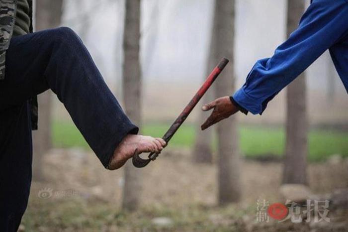 Супермены: в Китае два инвалида спасают деревню от потопа 0 1308bd 7c0e8c96 orig
