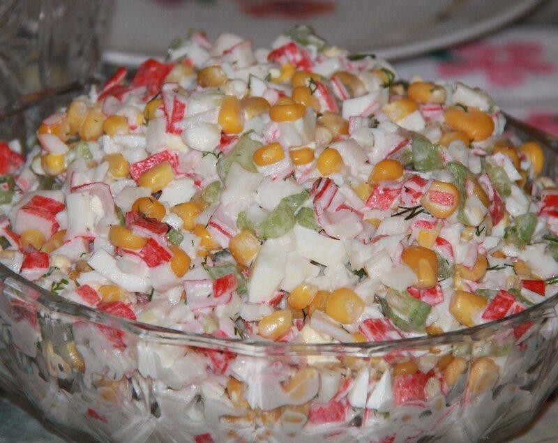 Крабовый салат с рисом классический рецепт