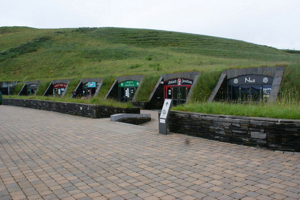 Cliffs_of_Moher_The_Cliffs_of_Moher_Visitor_Experience_4_resize.jpg