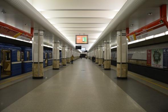 Нечастный случай в метро: на Каменной горке умерла женщина