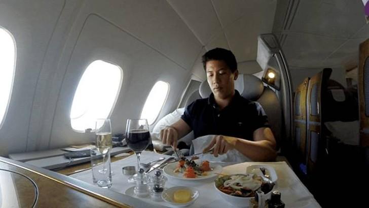 30. Так как я был голоден после экскурсии по Окленду, то решил заказать пять блюд: салат, копченого