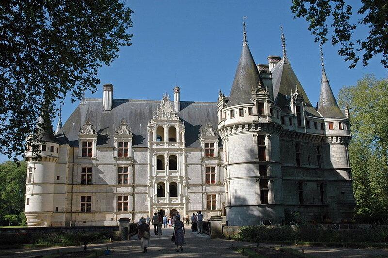 Замок Азэ-лё-Ридо (настоящий) -фото из Интернета