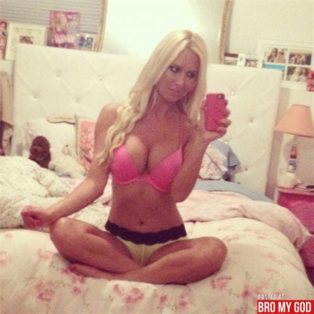 sexy self shot / сексуальные голые девушки фотографируют себя в зеркале