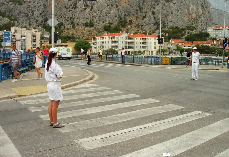 Девушки, работающие на трассе…