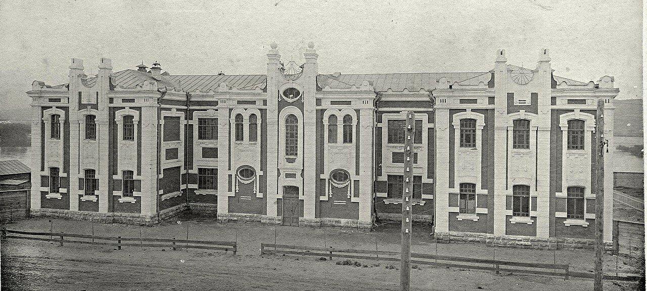 Здание Ольгинского приюта для детей переселенцев