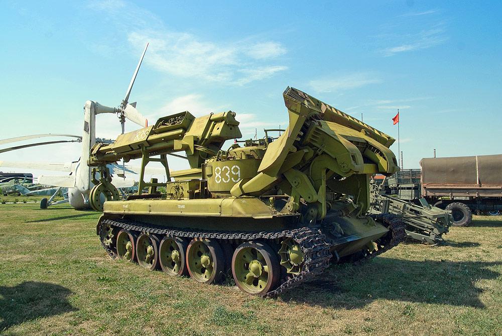 Технический музей Тольятти - инженерные военные траншее копатели