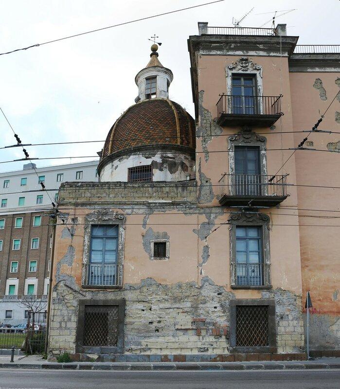 Неаполь. Церковь Святой Марии у порта (Santa Maria di Portosalvo)