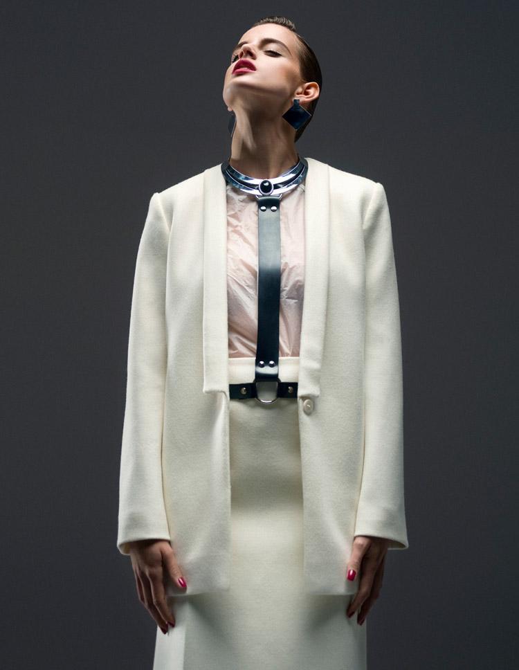 Изабель в фотосессии Петра Домагала