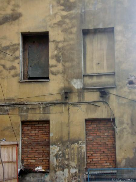 11-я Красноармейская, 7, заброшенное крыло здания