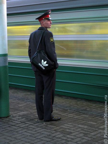 http://img-fotki.yandex.ru/get/3712/picturesofmoscow.0/0_1db26_ee7c4916_XL.jpg