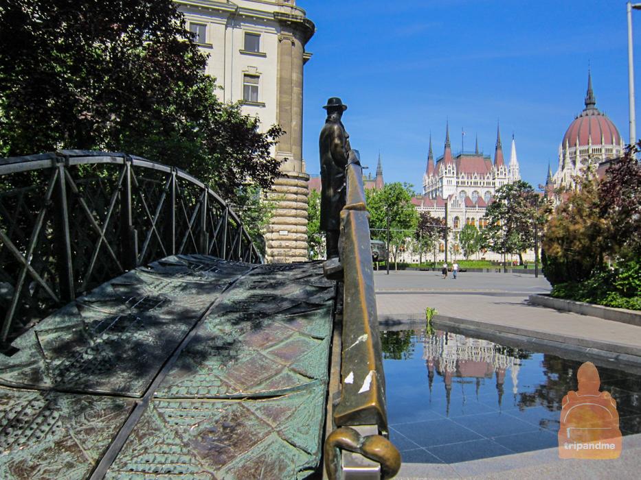 Памятник Имре Надь (2014).jpg