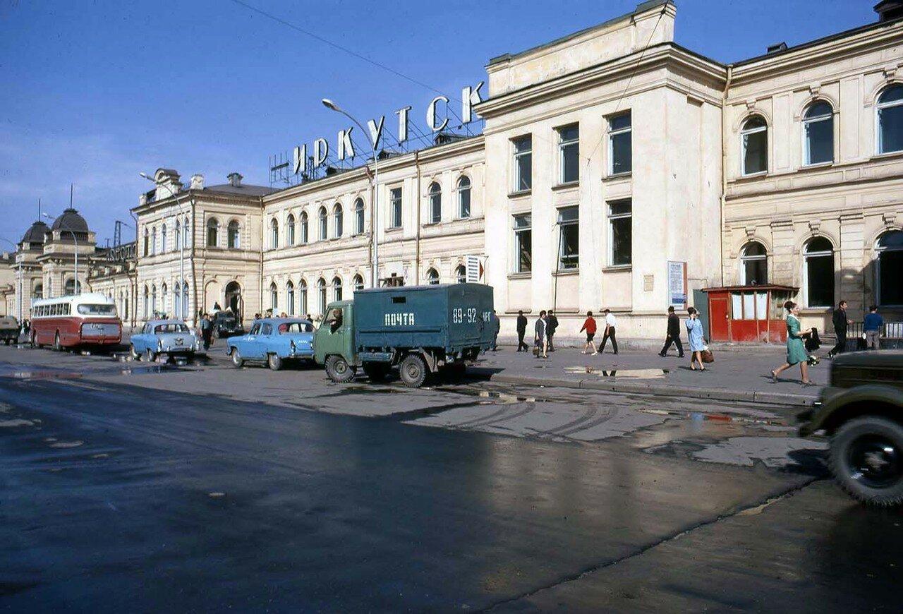 01. Вокзал в Иркутске