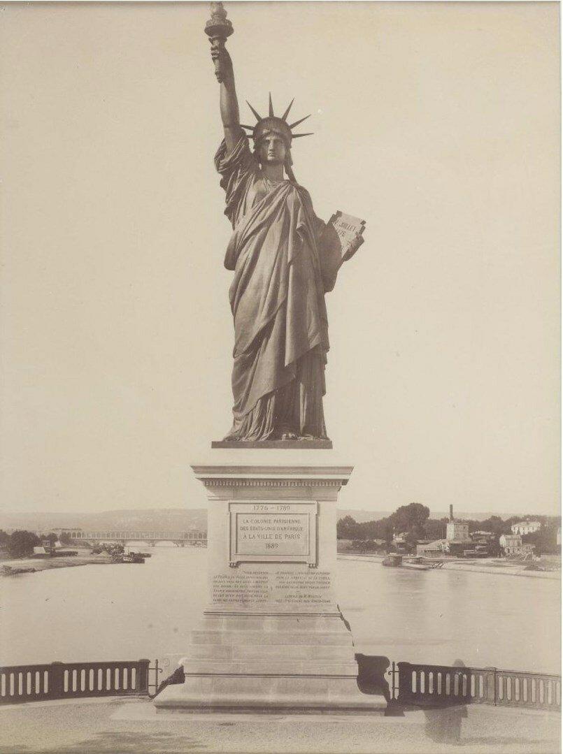 1885. Статуя Свободы и Просвещения мира