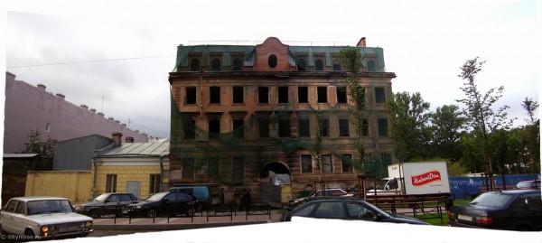 Заброшенный жилой дом на Черняховского, 56