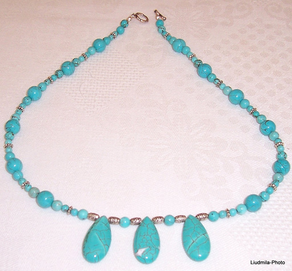 howlite,turquoise,metal beads,necklace,gift,semiprecious stones