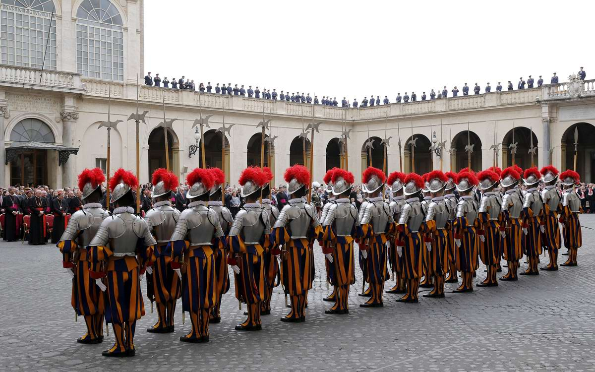 Швейцарская гвардия Ватикана: Новобранцы присягают на верность Папе Римскому (12)