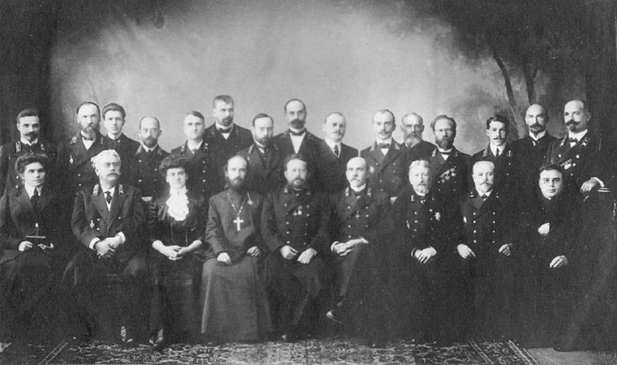 Преподаватели Архангельской губернской гимназии. 1910