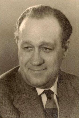 Григорий Григорьевич Конский, актер и режиссер МХАТ, народный артист РСФСР, профессор, с 1940 года - преподаватель актерского мастерства ГИТИСе, заслуженный деятель искусств Литовской ССР, (24 мая (6 июня) 1911, Москва - 22 июля 1972, Москва)