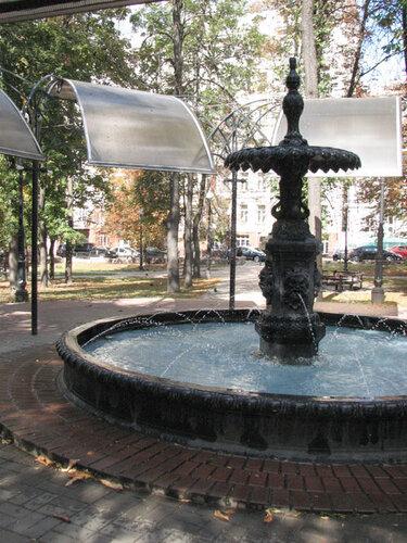 Малый фонтан киевского водопроводного общества в Полицейском садике