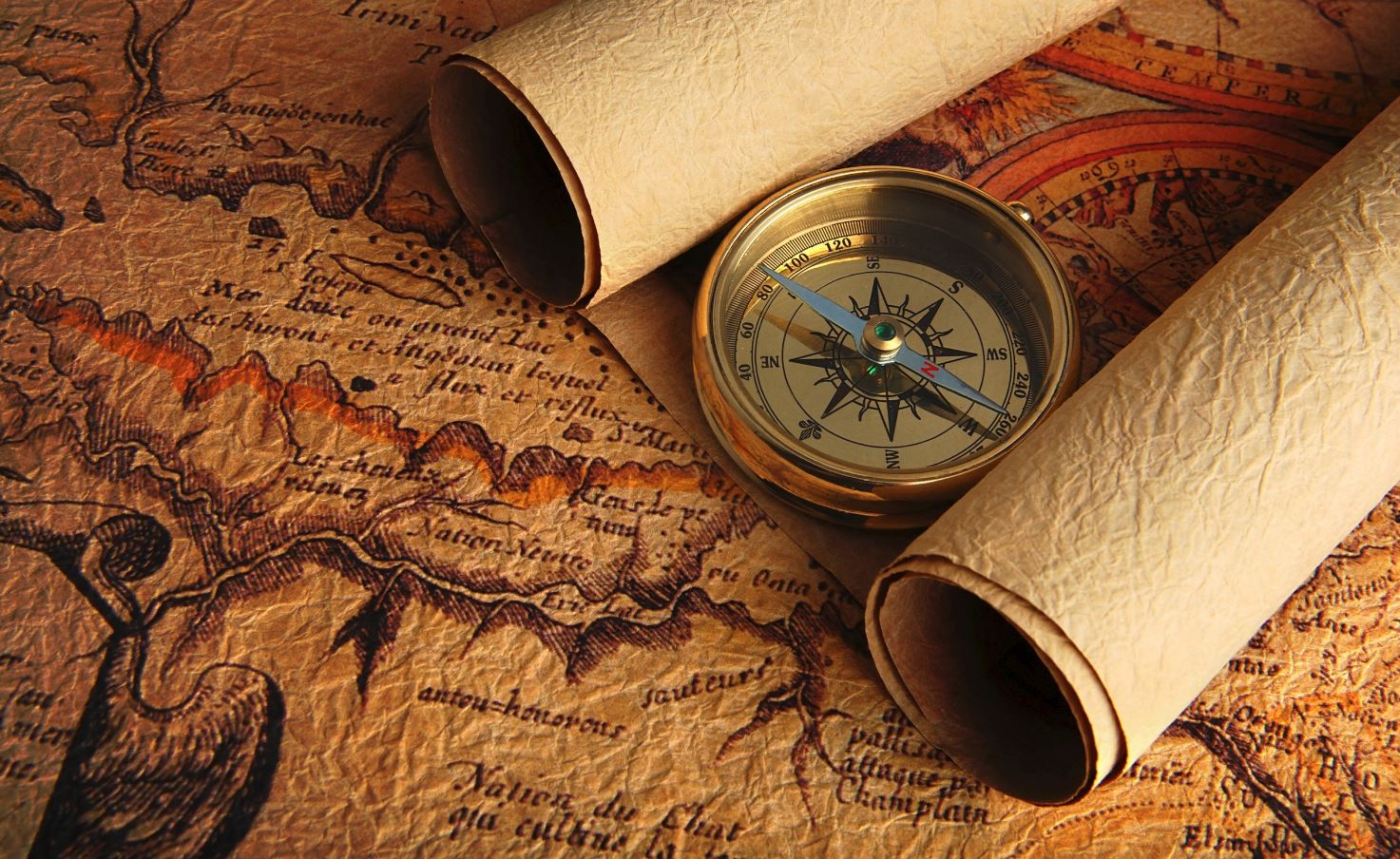 Открытки. День работников геодезии и картографии. Компас и карты