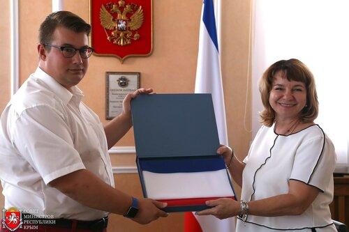 Ради политики флаг Крыма понесут вАнтарктиду