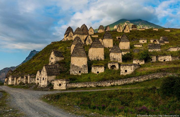 Город мертвых Даргавс (16 фото)