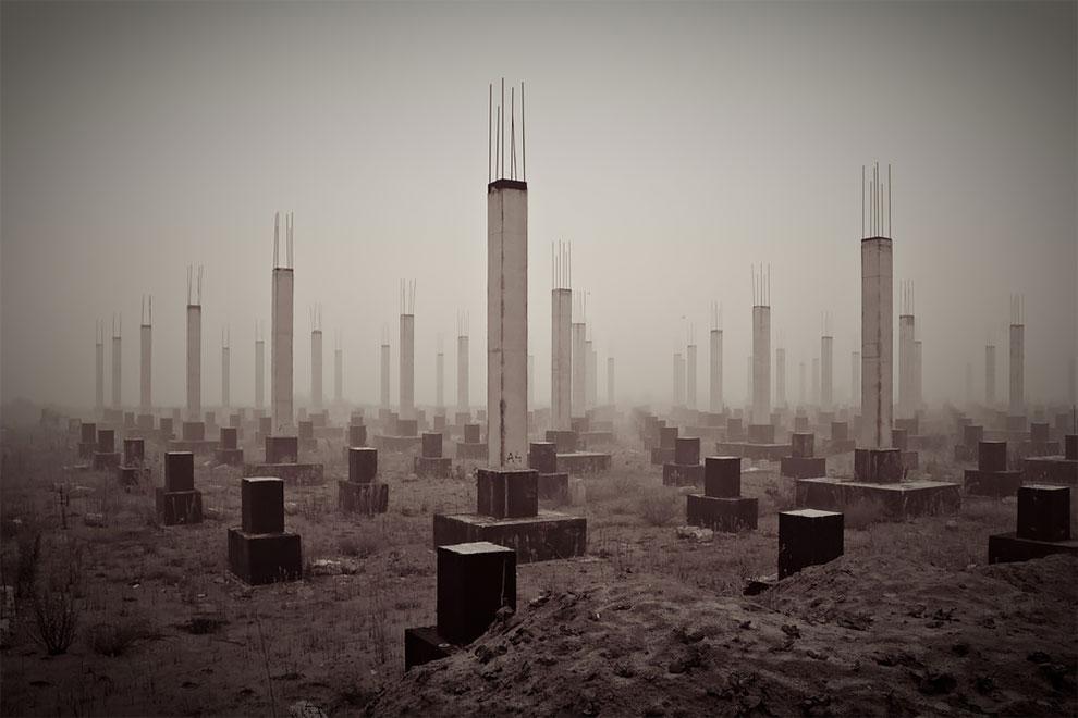 «Кладбище XXI века», Петр Старов. На фото — недостроенный торговый центр, оно сделано в Рязани в 201