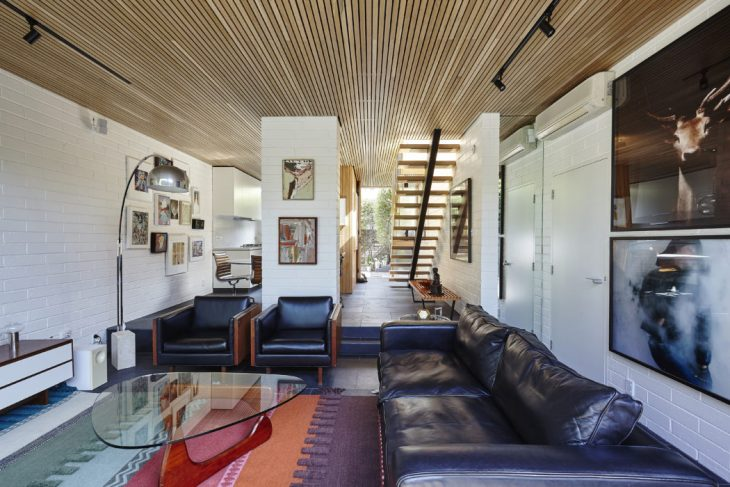 Transforming a compact 1970's inner city townhouse into a light filled home, Thomas Winwood Architec