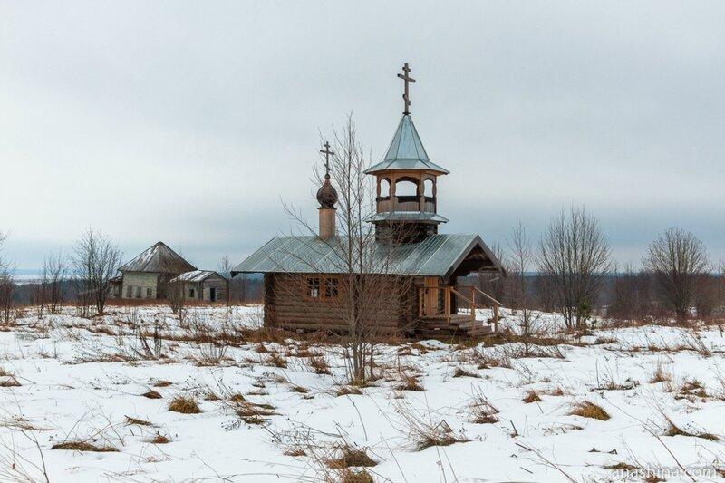 Часовня и Спасо-Преображенская церковь, Вологодская область, Андома-гора