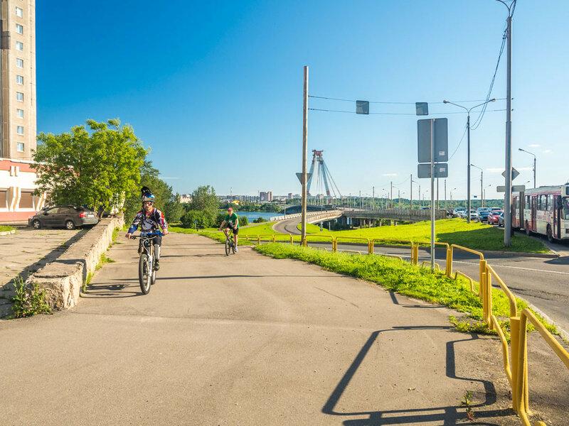 Велосипедистов хватает.